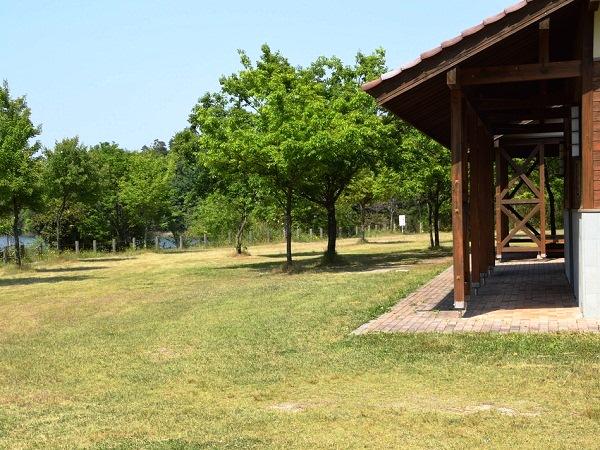 菰沢(こもさわ)公園オートキャンプ場