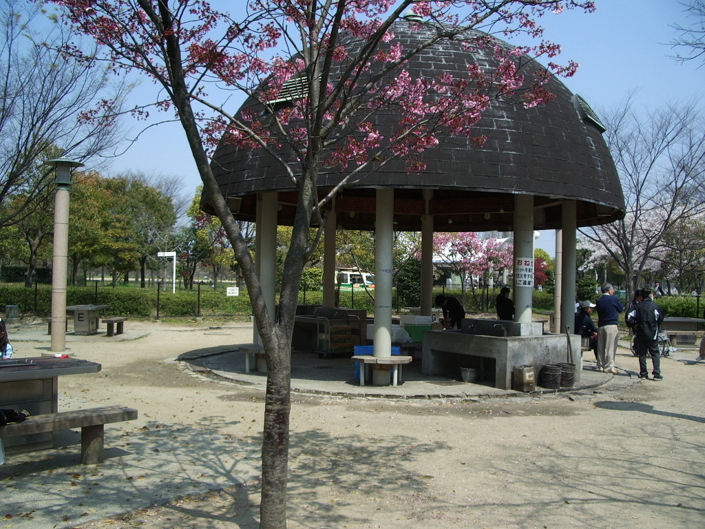 鶴見緑地バーベキュー場キャンプ場
